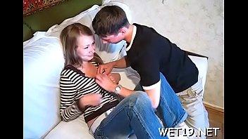 Любительская пара скидывает на камеру свой секс