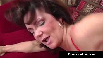 Симпатичные лезбиянки кайфовали от невероятных игр во время дикой порно оргии