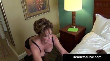 Первый анальный секс сучка орет от жгучей боли