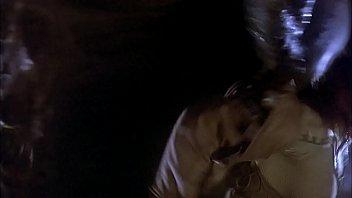 Кобель дрочит и засовывает фаллос в вагину благоверные со спущенными трусами