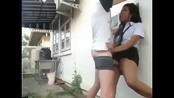 Два темнокожих хахаля и блондиночка создали межрасовый секс втроем