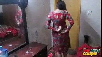 Девушка позвала соседа выебать её, изменяет мужчине
