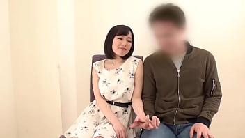 Жена в кружевных колготках дала благоверному в анус раком