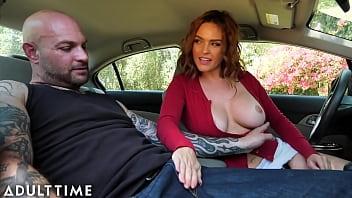 Блондинка удовлетворяет отчима ради ключей от машины